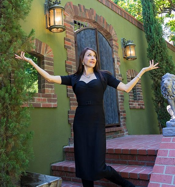 "At her Los Feliz home, Stephanie Miller has hosted ""resistance dinners"" with guests such as Nancy Pelosi and Rob Reiner."